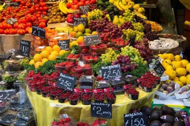 Credit Agricole: Spadek tempa wzrostu cen owoców i warzyw dopiero na początku 2018 r.