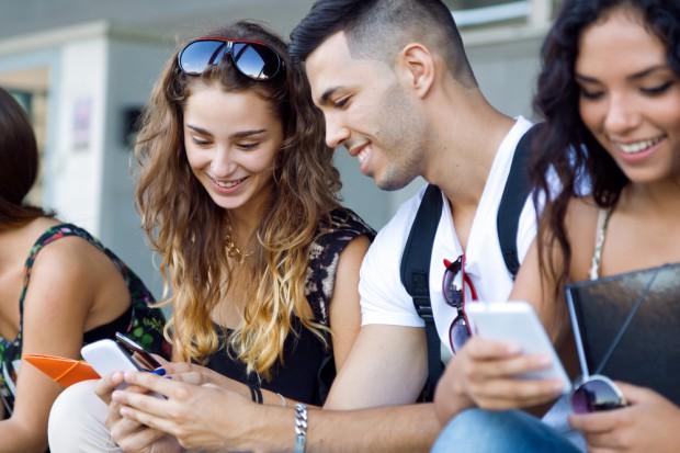 Millenialsi lubią format wideo i chętnie udostępniają dane reklamodawcom
