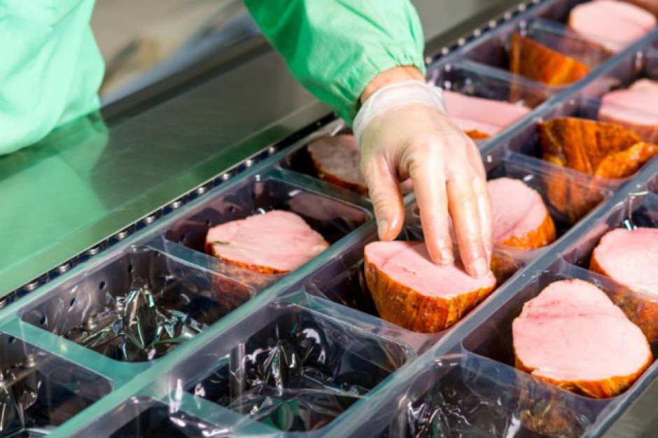 KRIR: Ekspansja zagranicznych koncernów mięsnych w Polsce doprowadzi do oligopolu