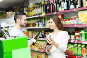 Sklepy małoformatowe w sierpniu: Wyższa sprzedaż lodów i piwa