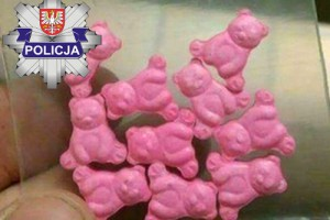 Narkotyki wyglądem przypominające słodycze rozdawano dzieciom