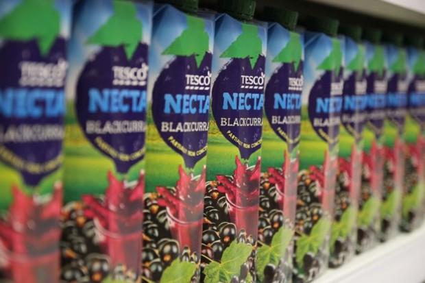 Tesco obniżyło zawartość cukru w napojach marki własnej