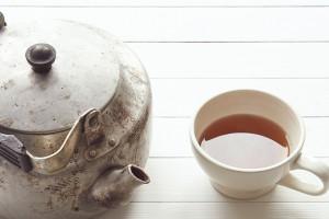 Czarna herbata pomaga w walce ze stresem