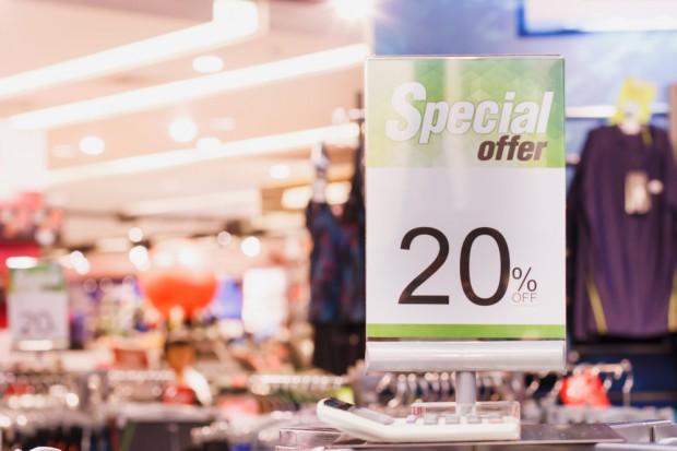 Badanie: Konsumenci deklarują częstsze korzystanie ze sklepowych promocji