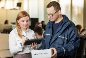Poczta Polska walczy o paczki