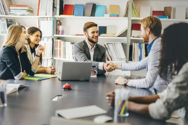 Rynek pracy: Coraz więcej firm zamierza zatrudniać cudzoziemców
