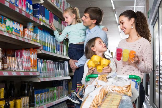 Badanie: O 1,3 mld zł wzrosły wydatki na FMCG rodzin uprawnionych do 500+