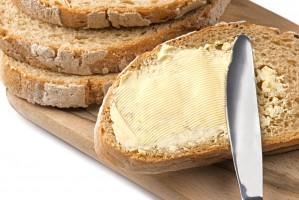 UOKiK sprawdza, czy sieci handlowe nie zawyżają cen masła