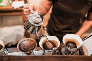 Badanie: 44 proc. konsumentów wybiera kawę mieloną