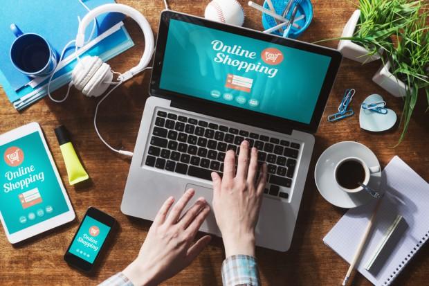 KRD: W ciągu roku zadłużenie e-sklepów wzrosło o jedną trzecią