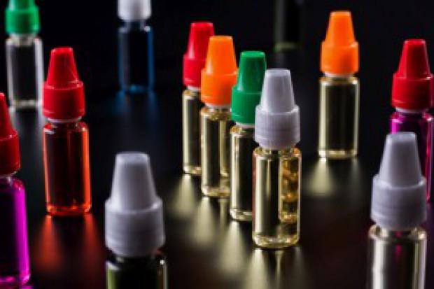 Producenci: Akcyzę na płyny do e-papierosów wprowadzać stopniowo