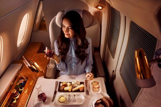 Linie Emirates inwestują w catering pokładowy 1 mld dolarów rocznie