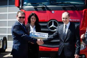 Zdjęcie numer 6 - galeria: Firma Sokołów-Logistyka Sp. z o.o. z nowymi ciągnikami siodłowymi marki Mercedes -Benz Actros 1842LS