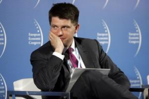 Petru: zakaz handlu w niedziele wprowadzi ogromny zamęt w kraju