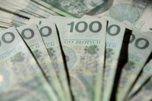 Biedronka i Netto przyznają premie za brak zwolnień chorobowych