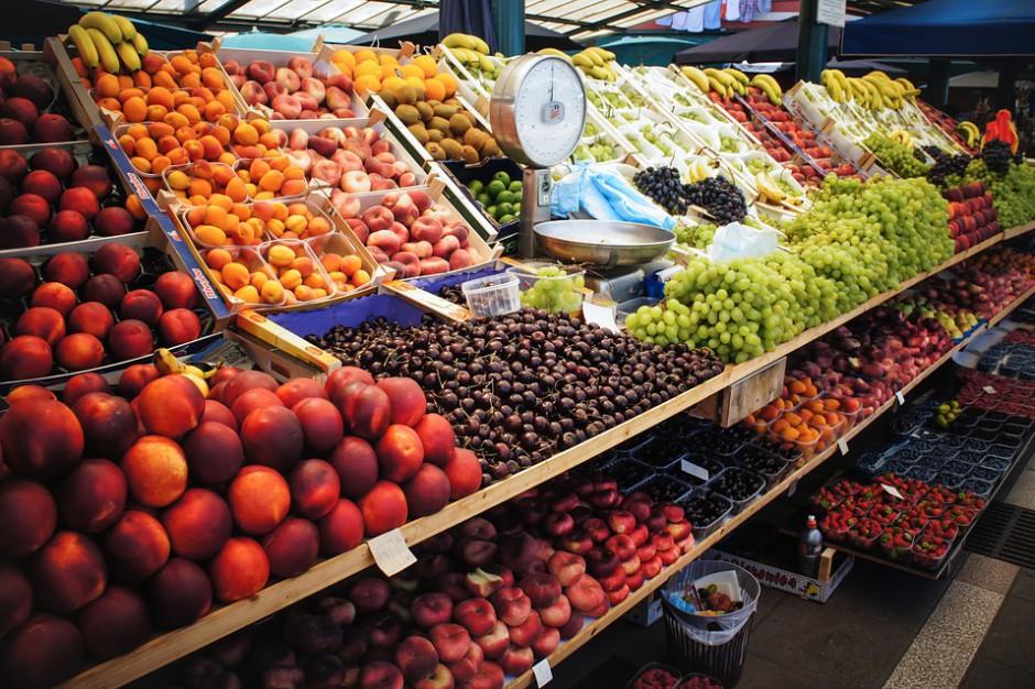 Markety naśladują bazary