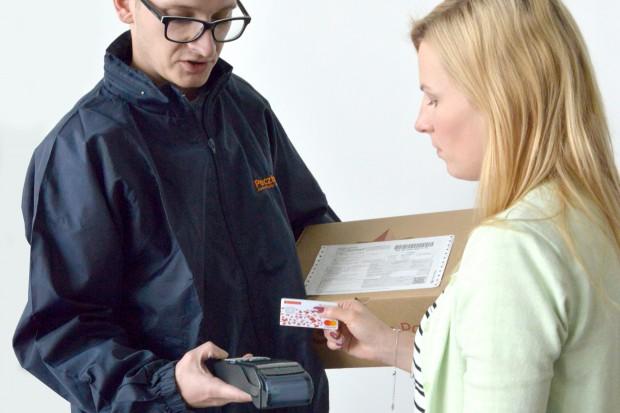 Poczta Polska wyposażyła swoich kurierów w terminale płatnicze