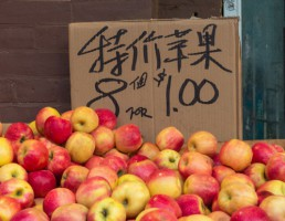 Łódzkie go China: Stoisko promujące polskie jabłka, miody i produkty zbożowe w Chengdu