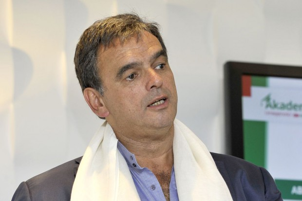 Luis Amaral dokupił akcje Eurocashu