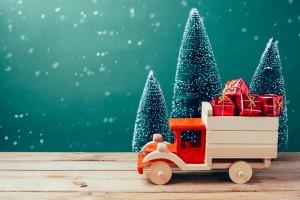 Biedronka i Lidl ze świąteczną ofertą drewnianych zabawek