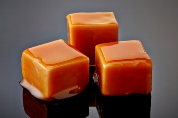 PKN Orlen będzie sprzedawać cukierki krówki pod własną marką. Ruszył przetarg