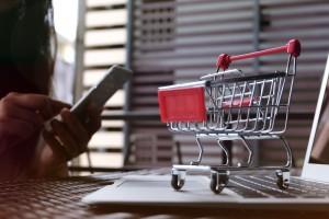 C&W: Wartość sprzedaży internetowej wzrośnie do 2021 roku o 94 proc.