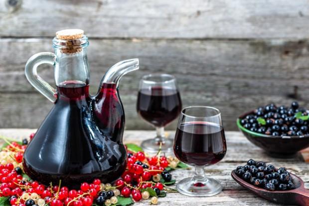 Wzrost produkcji win owocowych w październiku i po 10 miesiącach