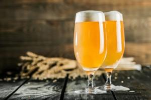 Produkcja piwa spadła w październiku wobec września, ale rośnie rdr