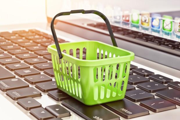 Czy na zakazie handlu w niedziele zyskają e-sklepy?