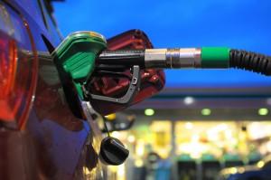 Sklepy na stacjach paliw mogą skorzystać na zakazie handlu w niedziele