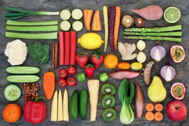 Jedzenie owoców i warzyw poprawia samopoczucie