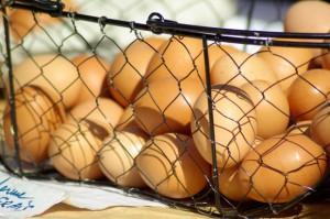 W sieciach sklepów osiedlowych jaja zdrożały o połowę