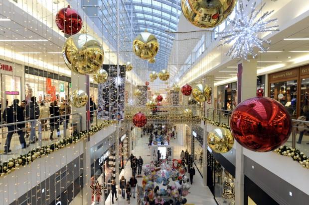 Świąteczny marketing sensoryczny wpływa na sprzedaż w sklepach