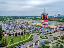 Echo Polska Properties przejmuje 12 centrów i parków handlowych