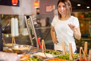 Polacy chcą zdrowo jeść - w domu i na mieście