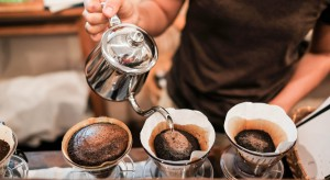 Prof. Artur Mamcarz: Spożywanie 4–5 filiżanek kawy dziennie może wydłużać życie