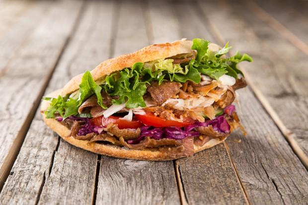 PE nie poparł zakazu stosowania fosforanów w mięsie kebabów
