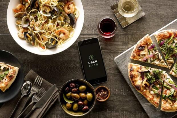 Uber Eats i AXA ogłaszają darmowy pakiet ubezpieczeniowy dla dostawców