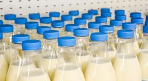 Szeroki spadek cen produktów mlecznych. Cena skupu mleka w 2018 r. będzie się obniżać