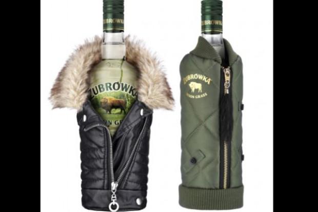 CEDC z limitowaną edycją miniubranek na butelki Żubrówki Bison Grass