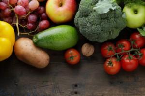 Które owoce i warzywa powinny znaleźć się w koszyku weganina?