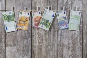 Dworczyk, KPRM: Nie ma prac nad wejściem Polski do strefy euro