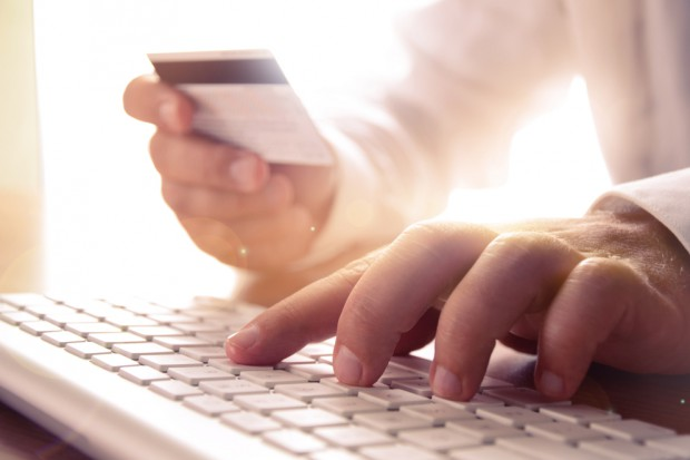 Konsumenci w Polsce rocznie wydają w e-sklepach ok. 30 mld złotych