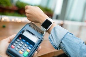 ABN Amro testuje płatności za pomocą zegarków, pierścionków i bransoletek