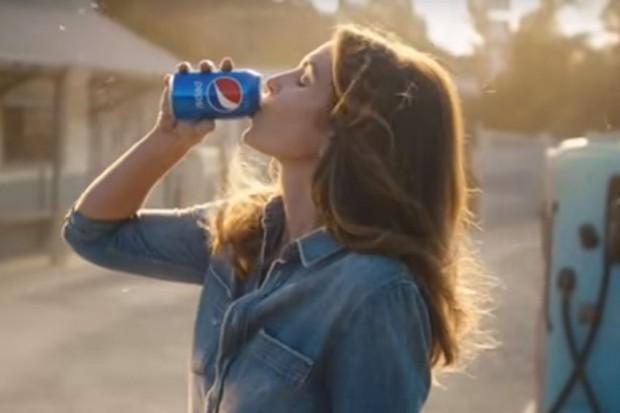 Pepsi powraca z reklamą z Cindy Crawford