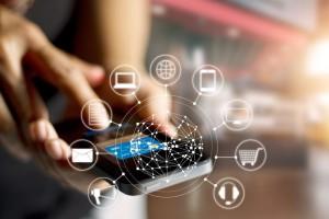 Deloitte: Smartfon staje się centrum cyfrowego świata