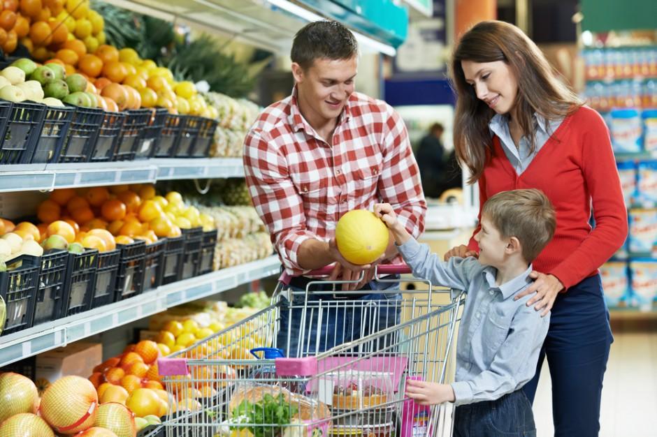 W 2017 r. statystyczny konsument miesięcznie robił zakupy w 4 różnych sieciach handlowych