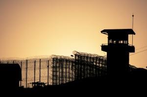 Firmy w Polsce coraz chętniej zatrudniają więźniów