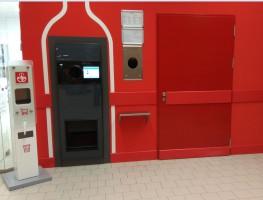 Kaufland udostępnił w sklepach urządzenia do dezynfekcji wózków i rąk