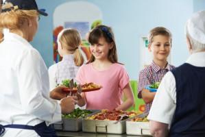 Jak jedzą uczniowie i pacjenci? Kontrola IH pokazuje, że wciąż nie najlepiej...